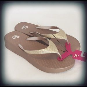 SO Gold Glitter Solid Thong Flip Flop Wedge Lg